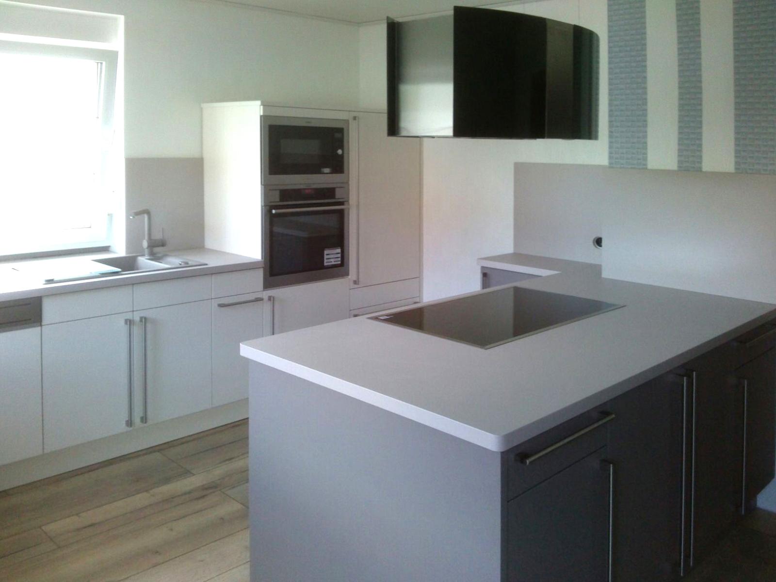 Küchenaufbau und Küchenmontage wir helfen Ihnen.